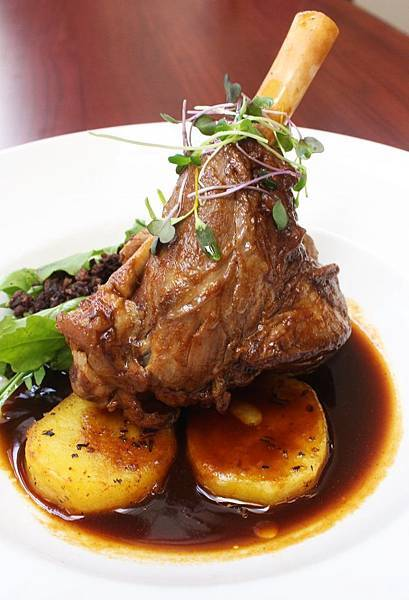 James Cook Hotel Grand Chancellor(WLGIrish Lamb Shank.jpg