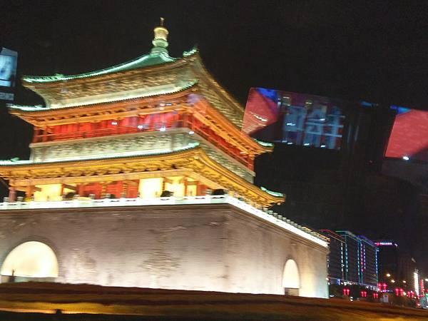 鐘樓(西安.jpg