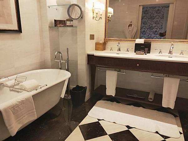 Ritz Carlton房間 (18).jpg
