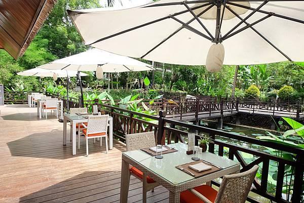 Parasol Blanc Hotel(LPQ,rest