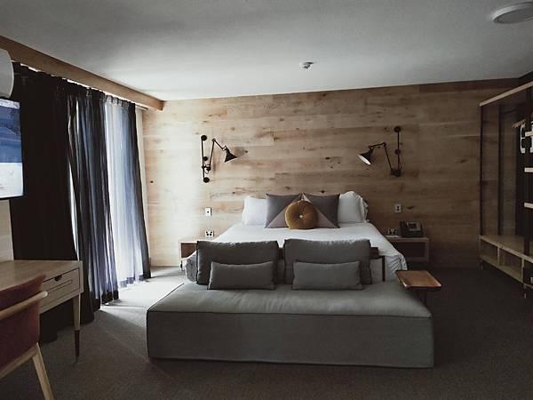 ISALND HOTEL(SURFERS) (6).jpg