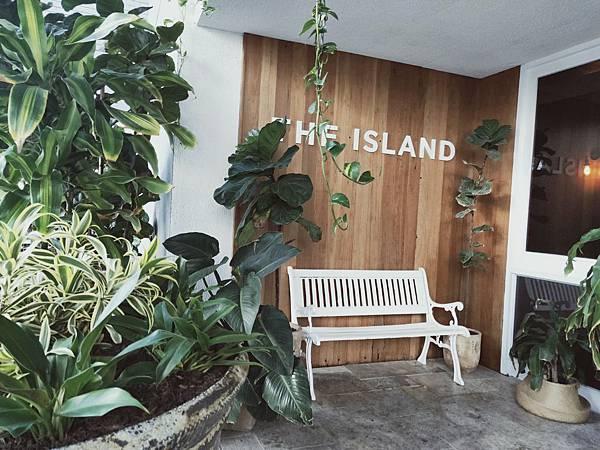 ISALND HOTEL(SURFERS (2).jpg
