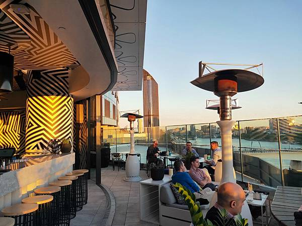 池畔酒吧 (2).jpg