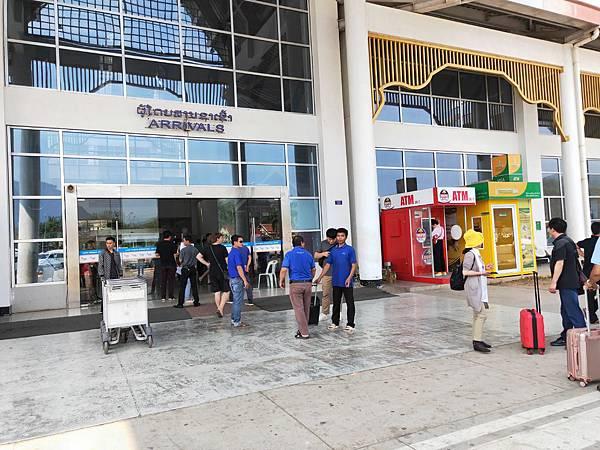 龍坡邦機場抵達 (1)