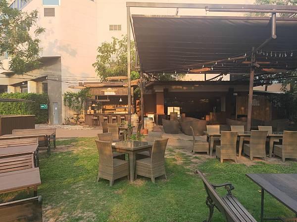 Beer Garden(Centara) (2).jpg