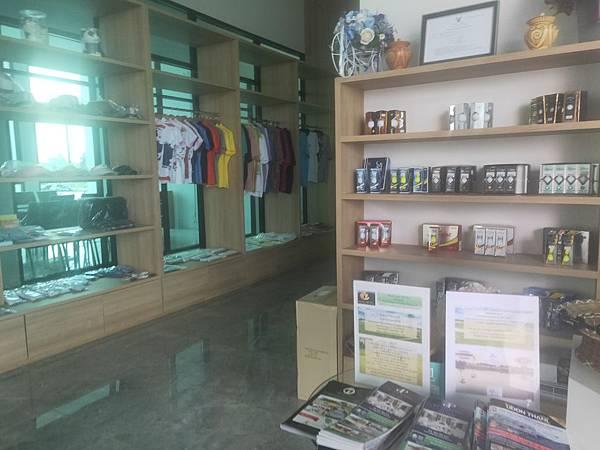 Royal Creek Pro shop(UD) (5).jpg