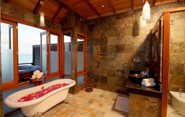 Olhuveli41(honeymoon water villa).JPG