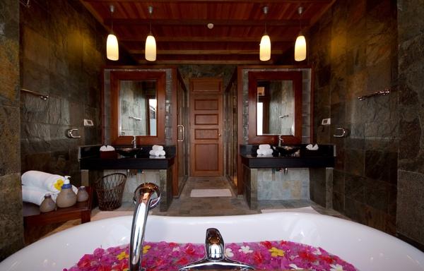 Olhuveli40(honeymoon water villa).JPG