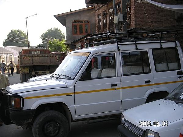 喀什米爾吉普車.JPG