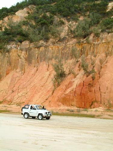 Teewah coloured sands (4wd).jpg