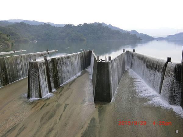 鯉魚潭水庫之美一隅~鯉躍龍門矩形溢洪道
