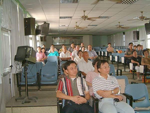 龍巖國小13屆同學會(2001-08-12)009.JPG