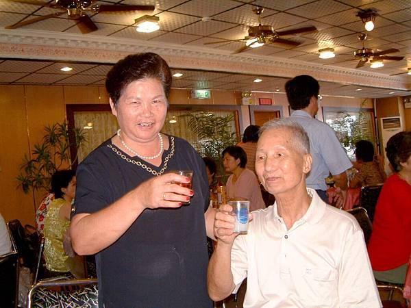 龍巖國小13屆同學會台西餐敘(2001-08-12)041.JPG