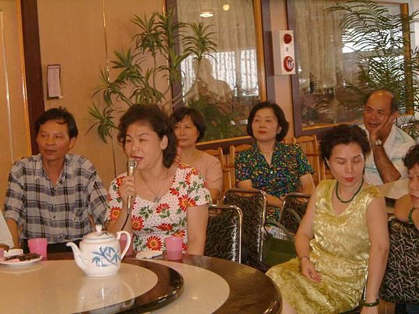 龍巖國小13屆同學會台西餐敘(2001-08-12)050.JPG