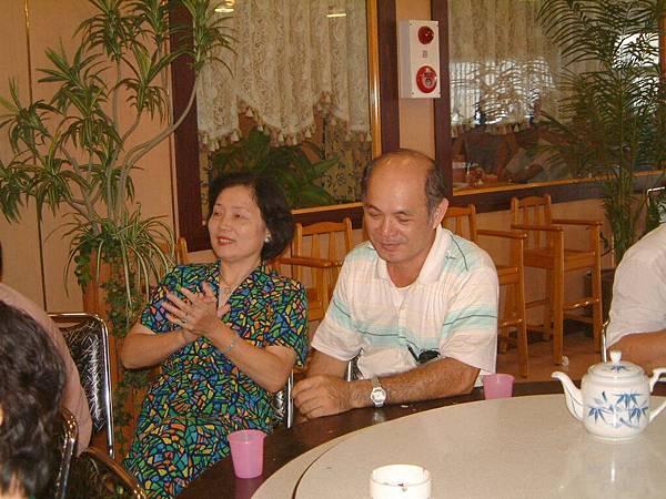 龍巖國小13屆同學會台西餐敘(2001-08-12)057.JPG