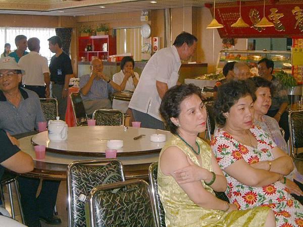 龍巖國小13屆同學會台西餐敘(2001-08-12)075.JPG