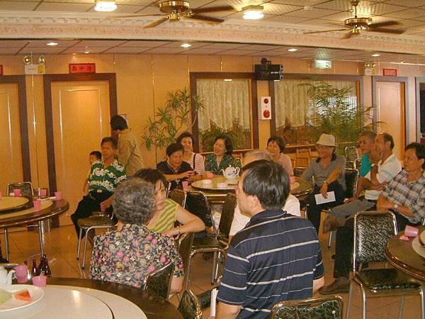 龍巖國小13屆同學會台西餐敘(2001-08-12)081.JPG