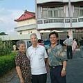 龍巖國小13屆同學會(2001-08-12)造訪同學新居01.JPG