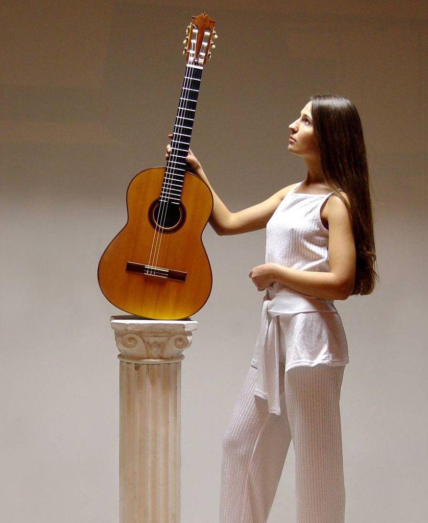 107 Yuliya Lonskaya 尤利婭.隆斯考婭 1980年 白俄羅斯吉他演奏家04