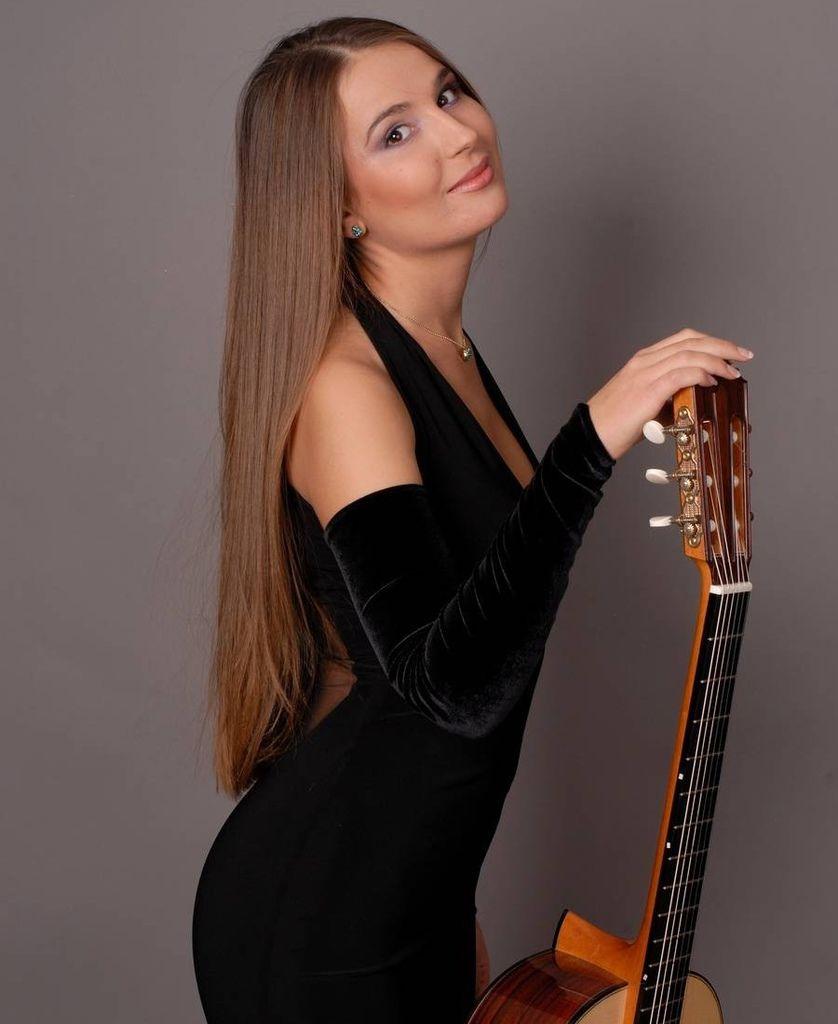 107 Yuliya Lonskaya 尤利婭.隆斯考婭 1980年 白俄羅斯吉他演奏家03