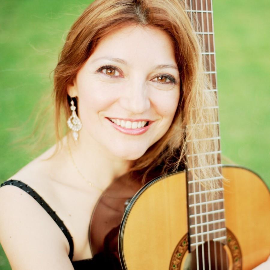 110 Irene Gomez 艾琳.戈麥斯 哥倫比亞國吉他家01