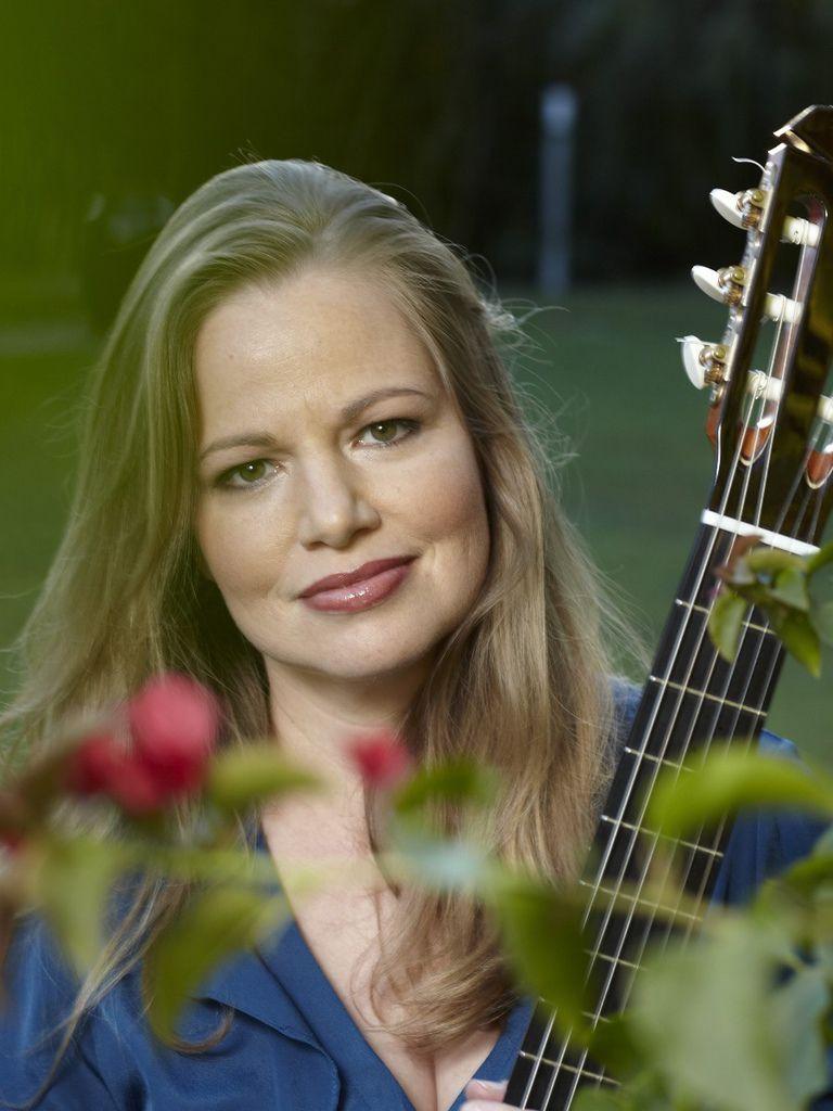 115 Karin Schaupp 卡琳.紹普 1972年 德裔澳大利亞吉他家、演員05