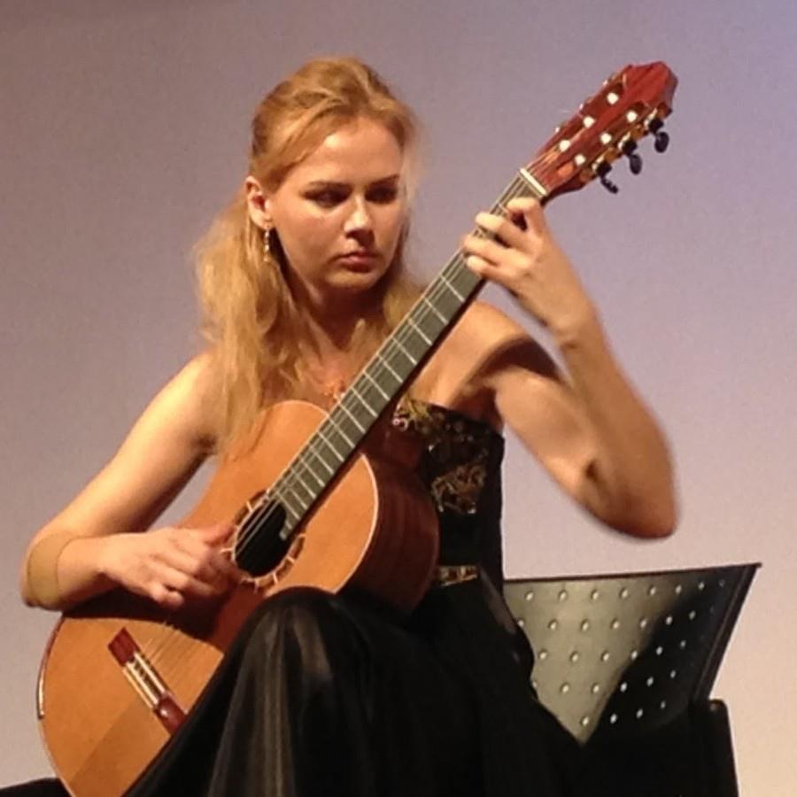 118 Ekaterina Pushkarenko 葉卡捷琳娜.普熙卡倫 1984年 俄羅斯吉他家02