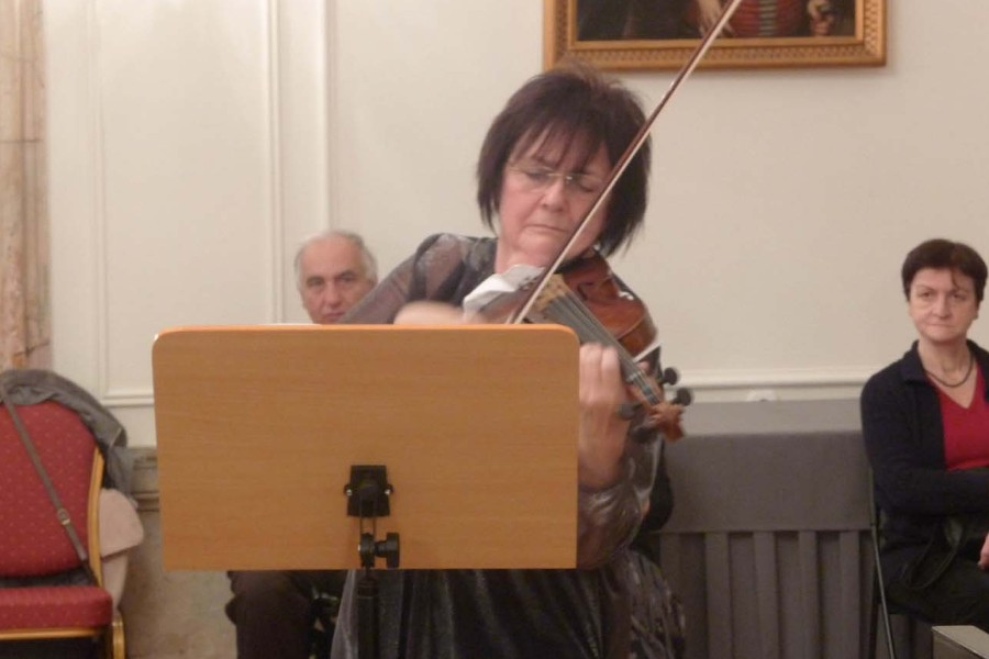 502 Eszter Perenyi 埃斯特.派雷尼 1943年 匈牙利小提琴家02