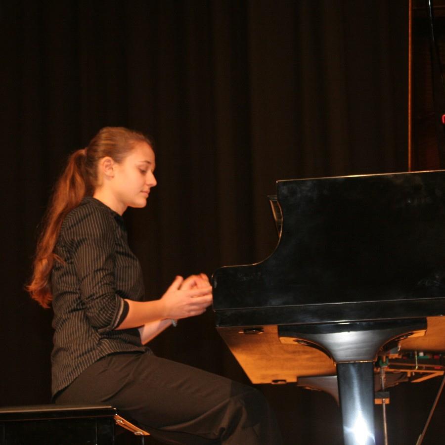 629  Lili Bogdanova 莉莉.波格丹諾娃 1994年 保加利亞鋼琴家02