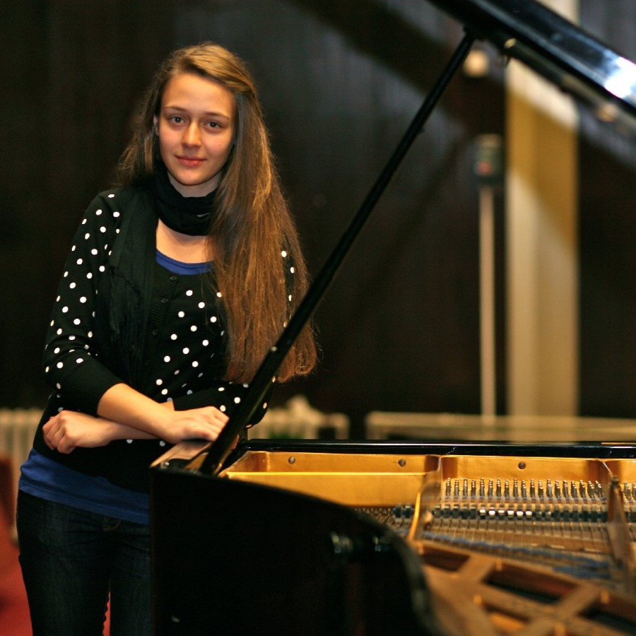 629  Lili Bogdanova 莉莉.波格丹諾娃 1994年 保加利亞鋼琴家01