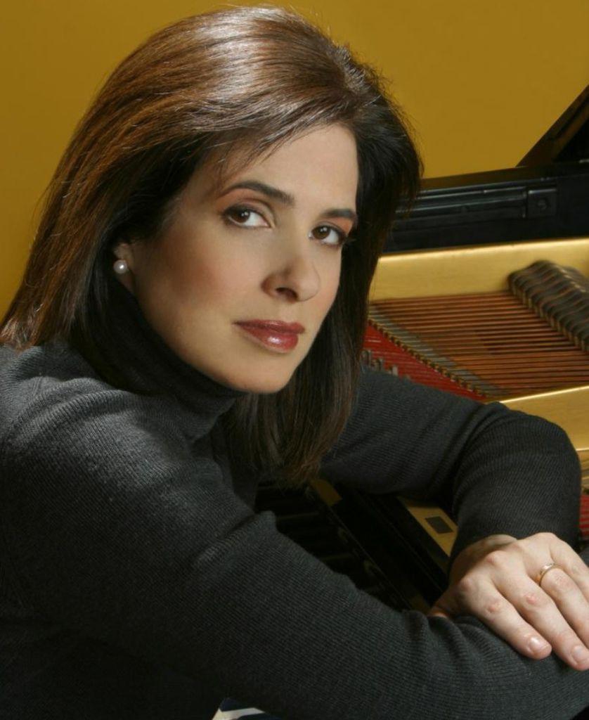 620 Noreen Polera 諾琳.波萊拉  (Noreen Cassidy-Polera 諾琳.卡西迪-波萊拉) 美國鋼琴家01