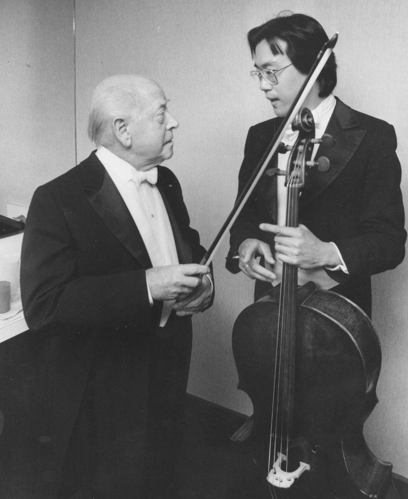 199  Engene Ormandy 尤金.奧曼迪 (1899年-1985年) 匈牙利裔美國指揮家、小提琴家05