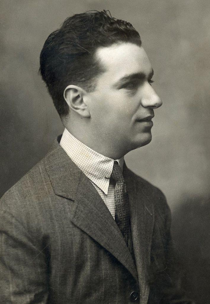 677 Joaquin Rodrigo 華金.羅德利果 (1901年-1999年) 西班牙作曲家、鋼琴家03