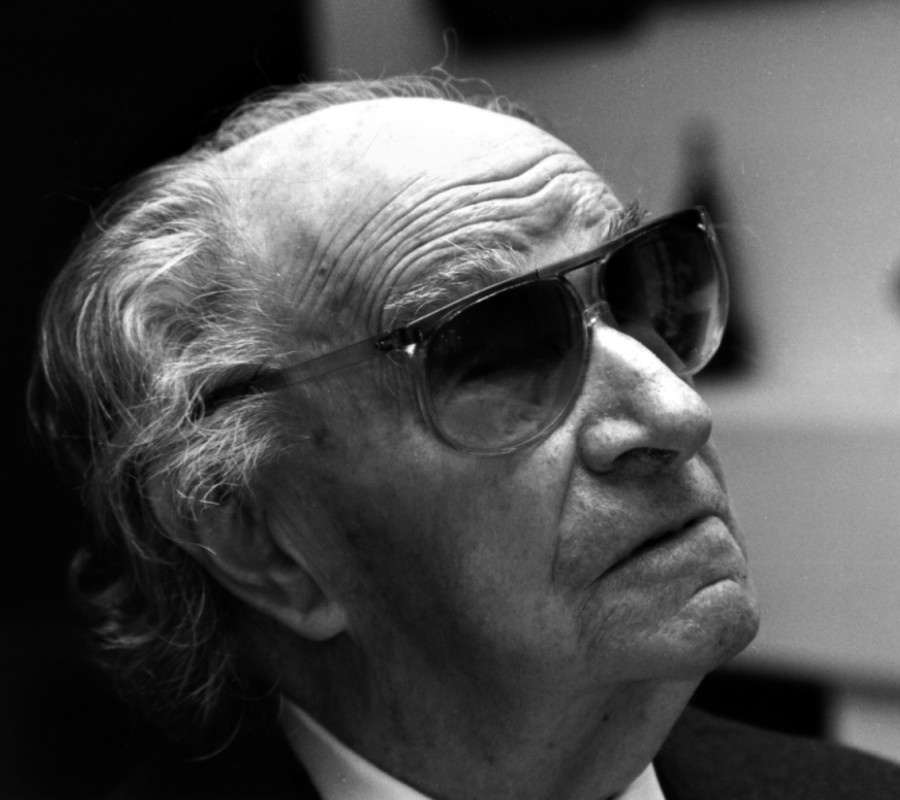 677 Joaquin Rodrigo 華金.羅德利果 (1901年-1999年) 西班牙作曲家、鋼琴家05