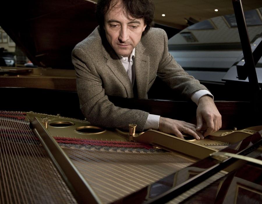 697 Jean-Efflam Bavouzet 傑恩-葉夫蘭.巴福傑 1962年 法國鋼琴家07