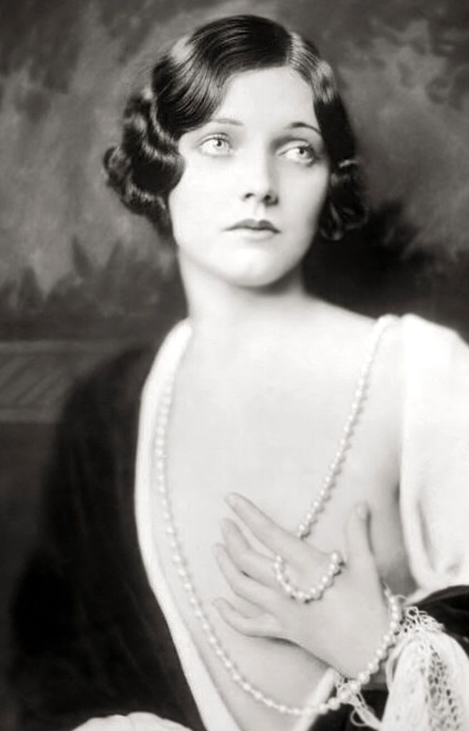 358 Adrienne Ames 阿德里安娜.艾姆斯 (1907年-1947年 美國演員)02