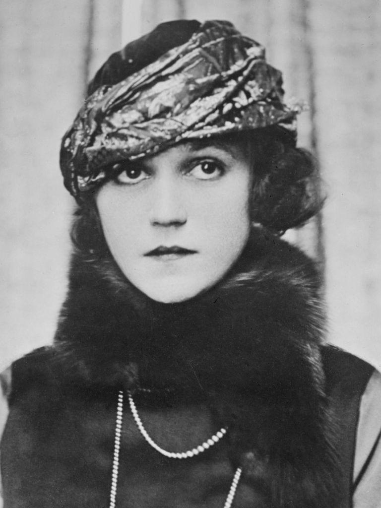 360 Alice Brady 愛麗絲.布雷蒂 (1892年-1939年 美國演員)01