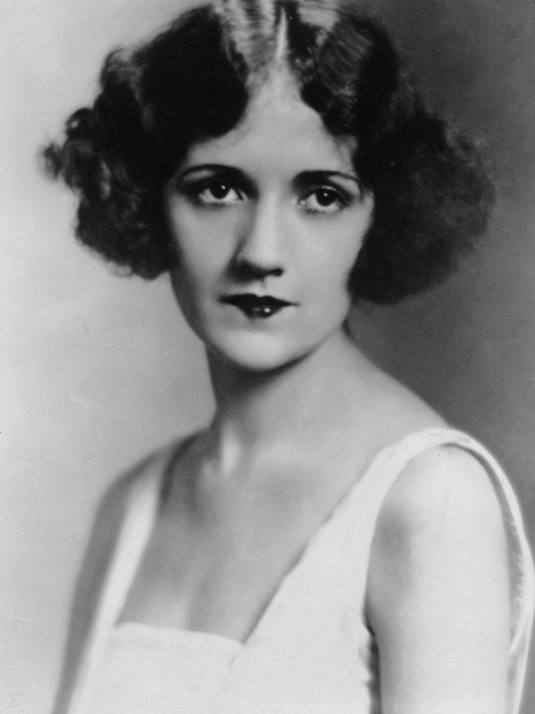 381 Constance Talmadge 康士坦絲.塔瑪芝 (1898年-1973年 美國演員)01