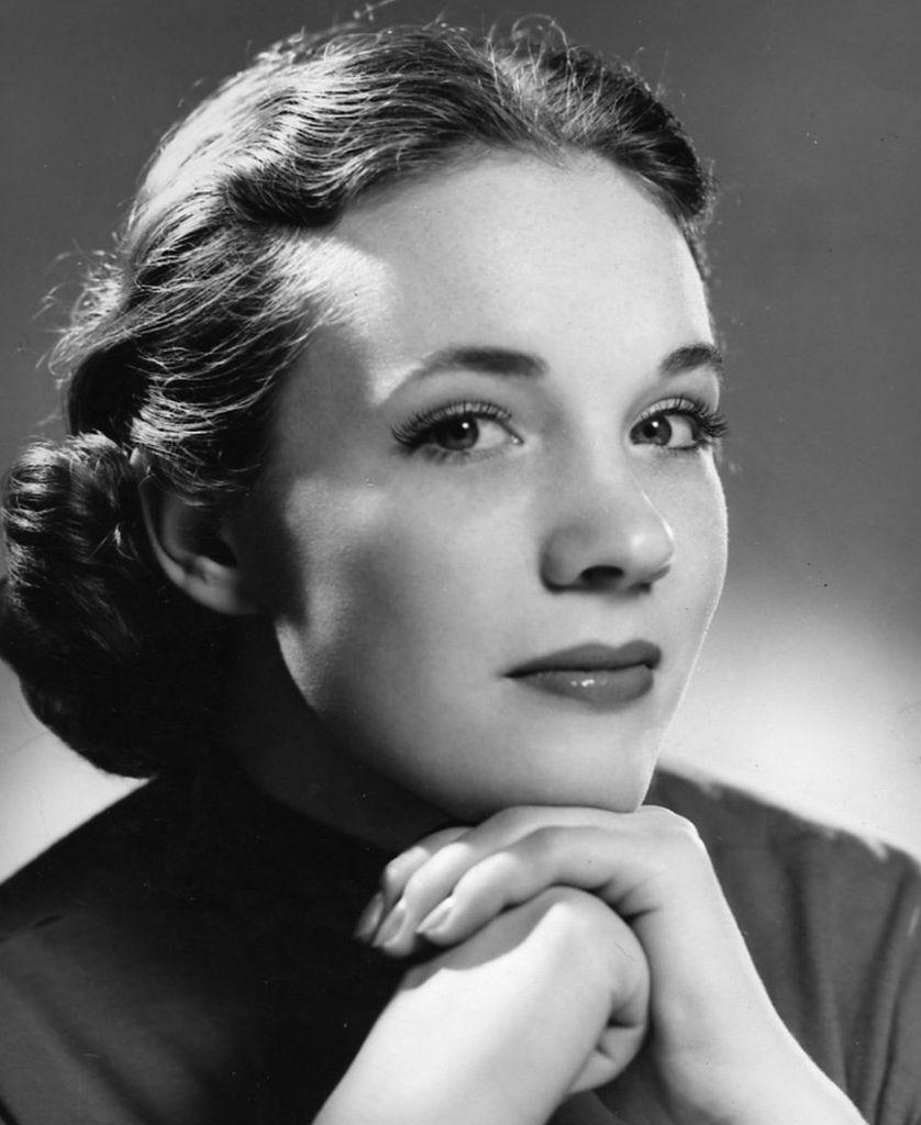 407 Julie Andrews 茱麗.安德魯絲 (1935年 英國演員、歌手、作家)07