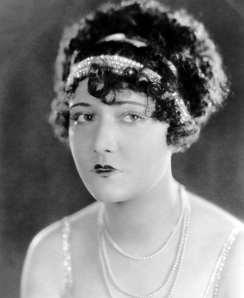 485 Dorothy Sebastian 多蘿西.塞巴斯蒂安 (1903年-1957年 美國電影、舞台劇演員)02
