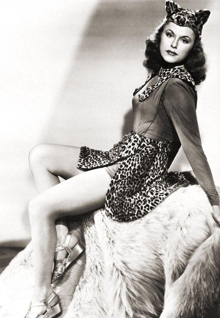 492 Linda Stirling 琳達.斯特林 (1921年-1997年 美國showgirl 、模特、演員)03