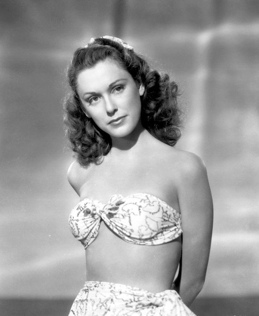 492 Linda Stirling 琳達.斯特林 (1921年-1997年 美國showgirl 、模特、演員)01