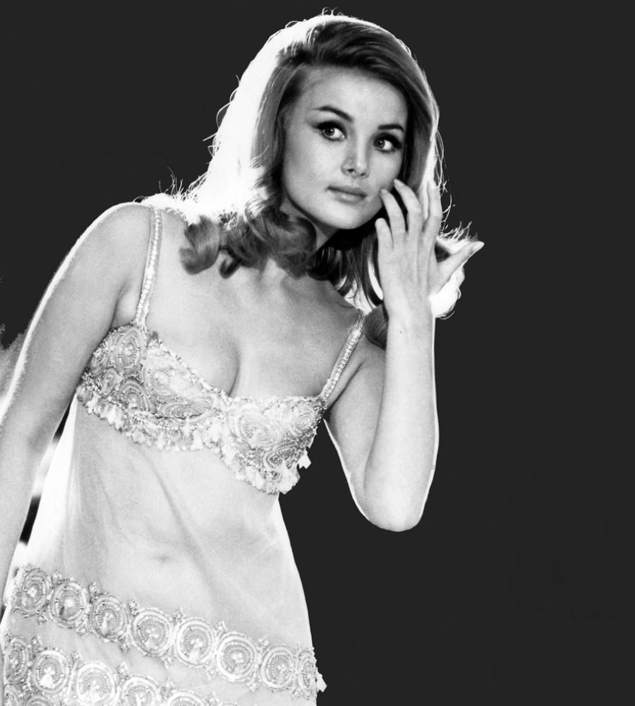 493 Barbara Bouchet 芭芭拉.博丁 (1943年 德裔美國演員、企業家)05