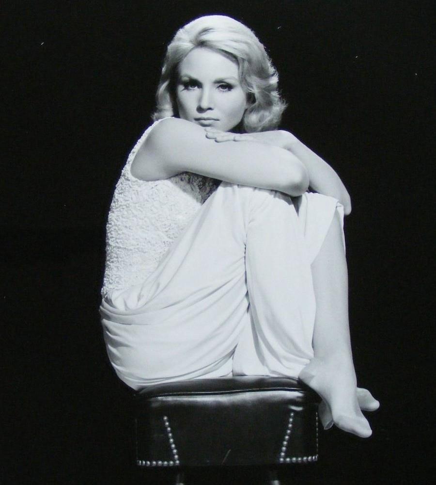 539 Susan Oliver 蘇珊.奧利弗 (1932年-1990年 美國演員、電視導演、飛行員)09