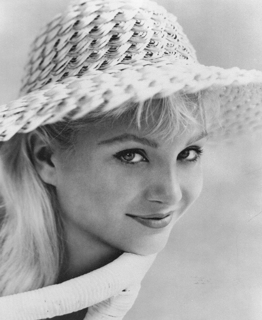 539 Susan Oliver 蘇珊.奧利弗 (1932年-1990年 美國演員、電視導演、飛行員)01