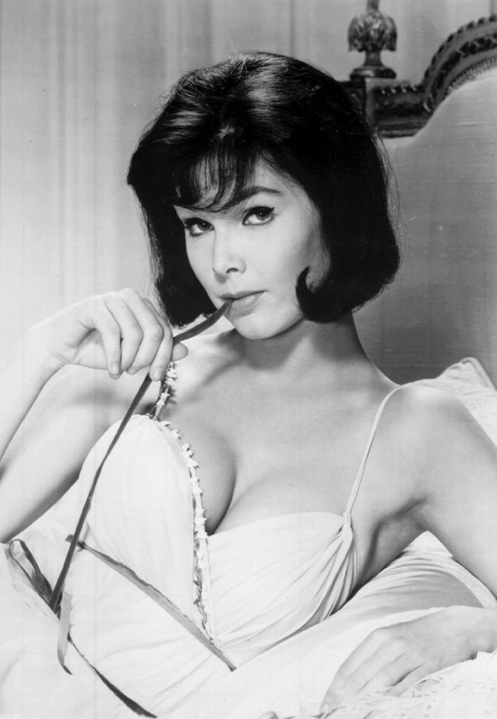 545 Yvonne Craig 伊馮娜.克雷格 (1937年 美國芭蕾舞演員、演員)02