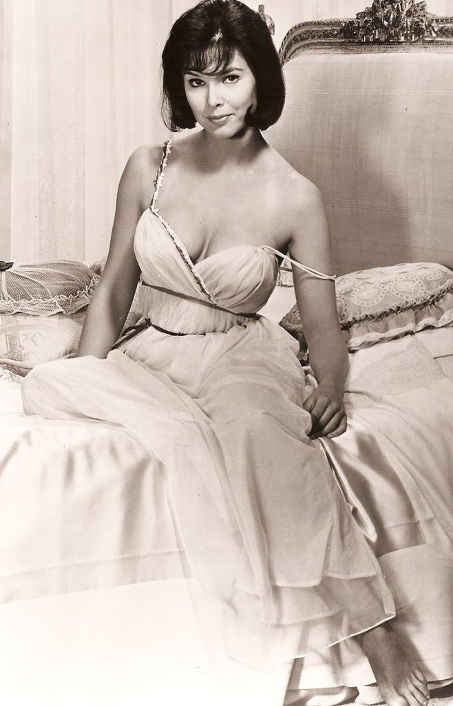 545 Yvonne Craig 伊馮娜.克雷格 (1937年 美國芭蕾舞演員、演員)03