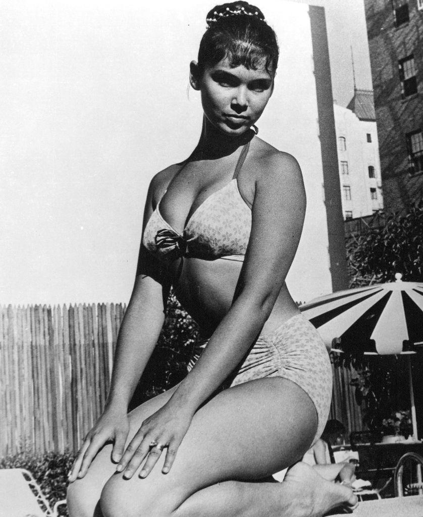 545 Yvonne Craig 伊馮娜.克雷格 (1937年 美國芭蕾舞演員、演員)05