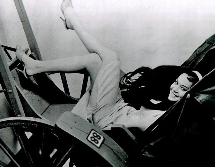 550 Nancy Kwan 關南施 (1939年 香港裔美國演員)12