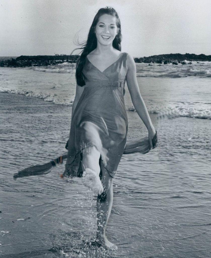 550 Nancy Kwan 關南施 (1939年 香港裔美國演員)13